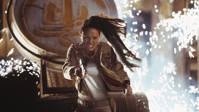 Angelina Jolie som Lara Croft. (Foto: Paramount pictures)