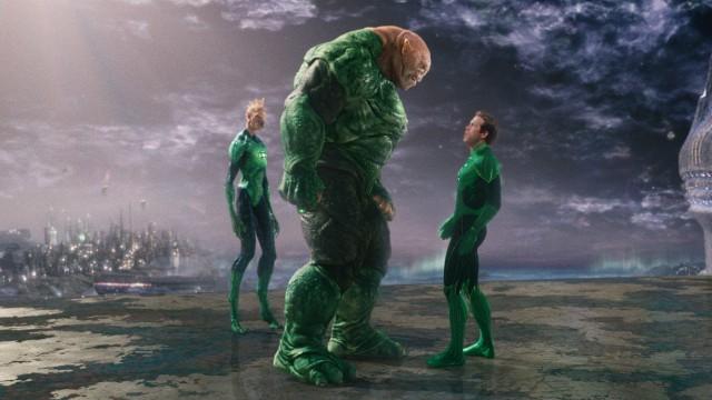 Hal Jordan (Ryan Reynolds) møter mye rart i Green Lantern (Foto: SF Norge AS).