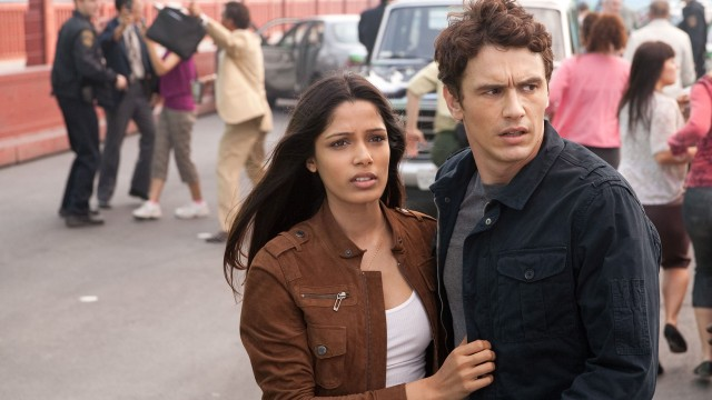 Freida Pinto og James Franco i Rise of the Planet of the Apes (Foto: Twentieth Century Fox Norway).