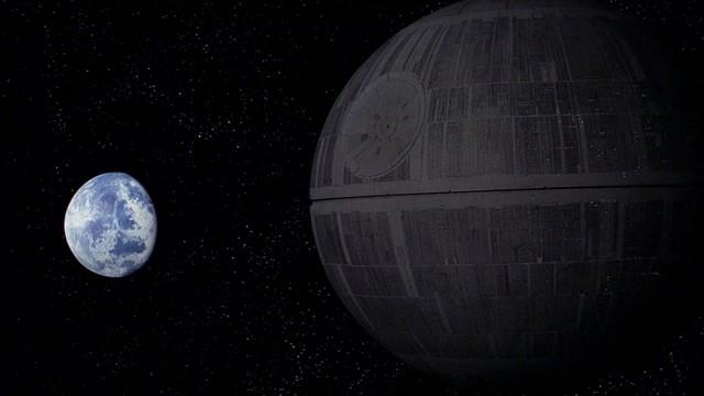 Dette bildet er tatt like før Dødsstjerna ødelegger Alderaan i Star Wars episode IV: Et nytt håp (Foto: Lucasfilm).
