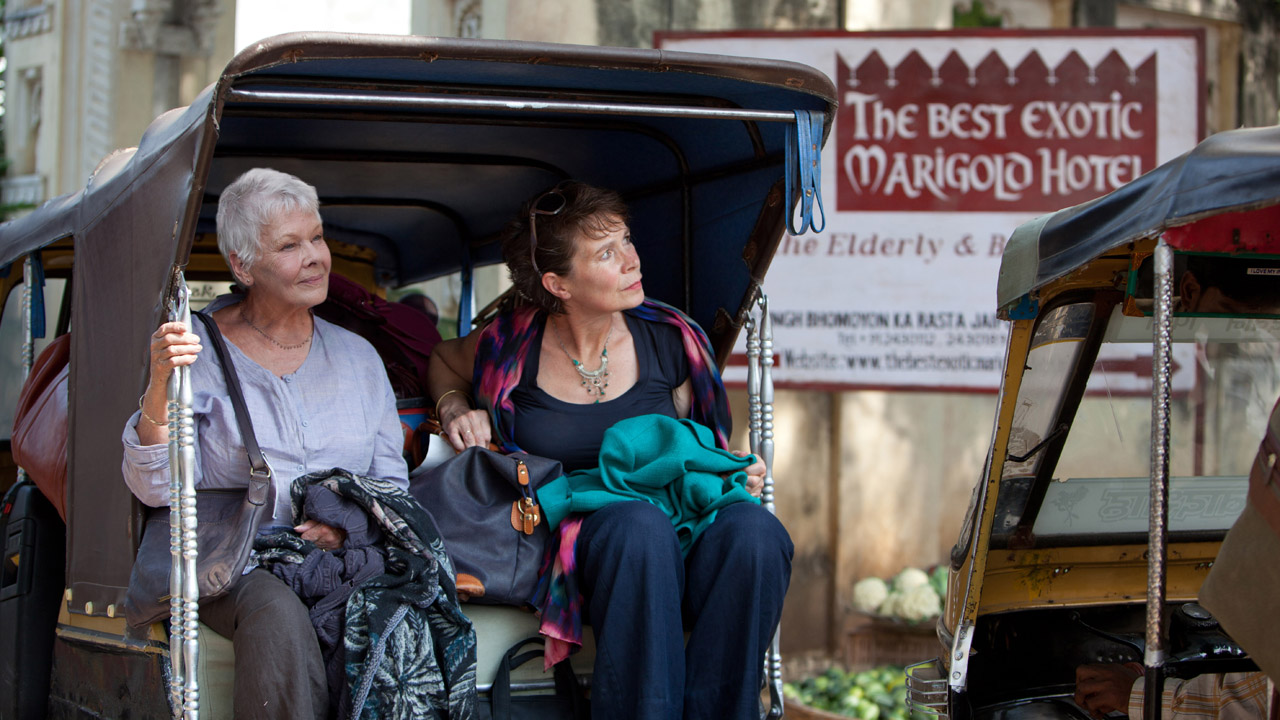 Judi Dench og Celia Imrie i The Best Exotic Marigold Hotel (Foto: Twentieth Century Fox Norway).