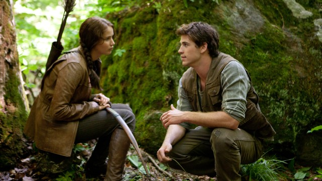 Jennifer Lawrence og Liam Hemsworth i The Hunger Games (Foto: Lionsgate).