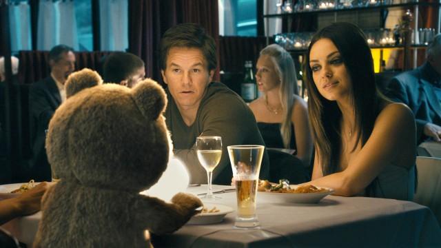Ted kommer mellom Mark