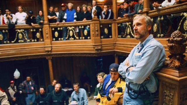James Cameron på filmsettet til Titanic i 1997 (Foto: SF Norge AS).