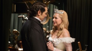 James Franco og Michelle Williams i Oz: The Great and Powerful (Foto: The Walt Disney Company Nordic).