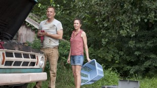 Kevin Costner og Diane Lane som Supermanns jordlige foreldre i Man of Steel (Foto: SF Norge AS):