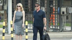 Amy Ryan og Sylvester Stallone i Escape Plan (Foto: Summit Entertainment).