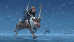 Kristoffer og Sven på full fart over isen i Frost (Foto: The Walt Disney Company Nordic).