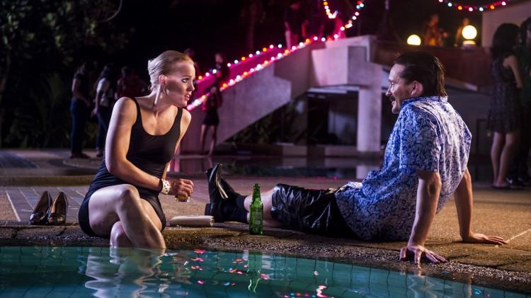 Anniken Skywalker (Ingrid Bolsø Berdal) og Sid Wisløff (Tommy Wirkola) i Kill Buljo 2. (Foto: Alen Grujic/Tappeluft Pictures)