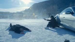 Bruno Ganz (sittende) spiller serbisk mafiaboss i Kraftidioten (Foto: Nordisk Film Distribusjon AS).