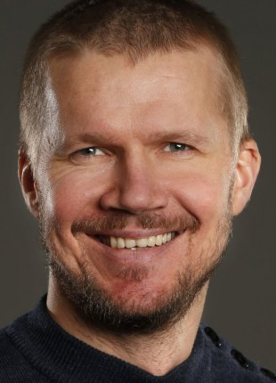 Filmbonanza-programleiar Vegard Larsen. (Foto: NRK)