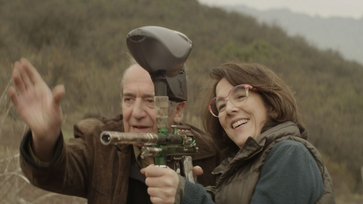 Rodolfo tar med Gloria på paintball. Hun elsket det! (Foto: Storytelling Media).