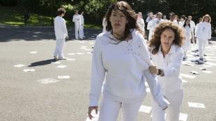 Liv Tyler og Amy Brenneman  som sektmedlemmer i The Leftovers. (Foto: HBO Nordic).