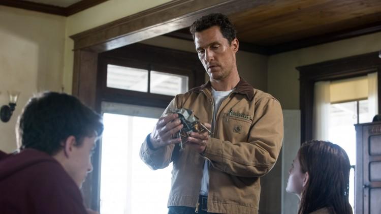 Matthew McConaughey spiller piloten Cooper i Interstellar (Foto: Warner Bros. Pictures/ SF Norge).