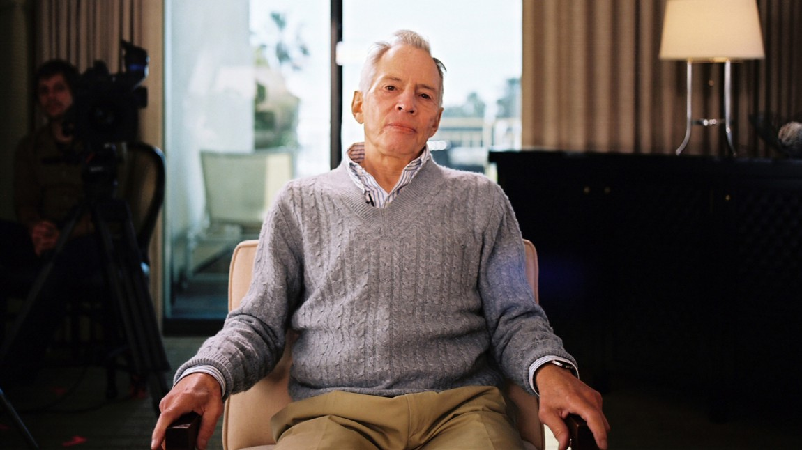 Robert Durst blunker ofte og ganske kraftig under intervjuene med filmskaper Andrew Jarecki (Foto: HBO Nordic)