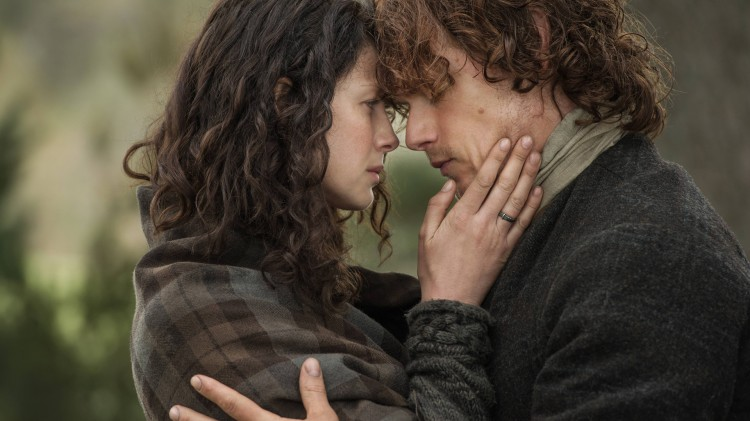 Claire (Caitriona Balfe) og Jamie (Sam Heughan). (Foto: Viaplay, Sony Pictures Television)