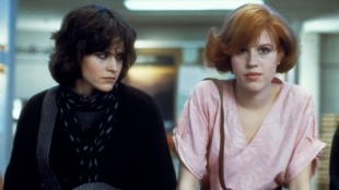 Jentene i The Breakfast Club, Allison (Ally Sheedy) og Claire (Molly Ringwald) (Foto: Universal Sony Pictures).