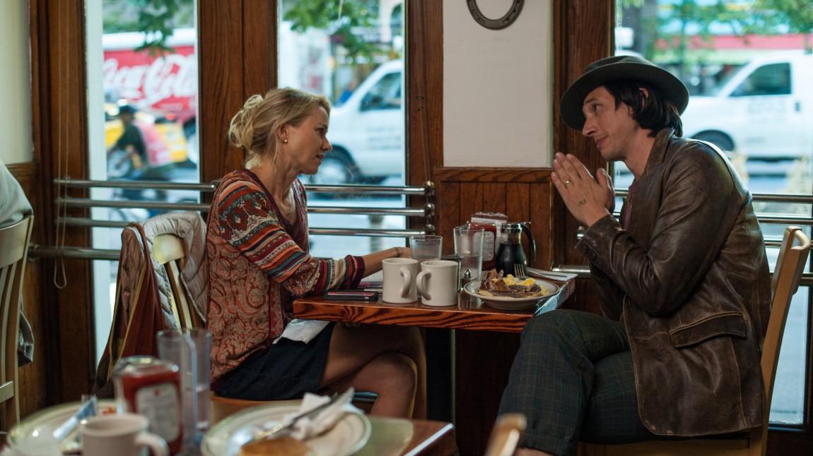 Cornelia (Naomi Watts)  og Jamie (Adam Driver)(Foto: Norsk Filmdistribusjon)