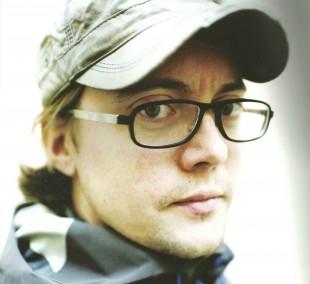 Regissør August B Hanssen (Foto: Tour de Force).