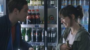 Victoria (Laia Costa), Sonne (Frederick Lau) blir kjent med hverandre i En natt i Berlin (Foto: Arthaus).
