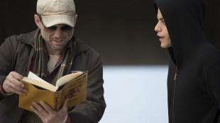 Christian SLater er god i rollen som seriens tittelfigur, anarkisten Mr. Robot. (Foto: NBCUniversal Television Distribution).
