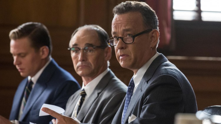 James Donovan (Tom Hanks) forsvarer spionen Rudolf Abel (Mark Rylance) i Bridge of Spies (Foto: 20th Century Fox).