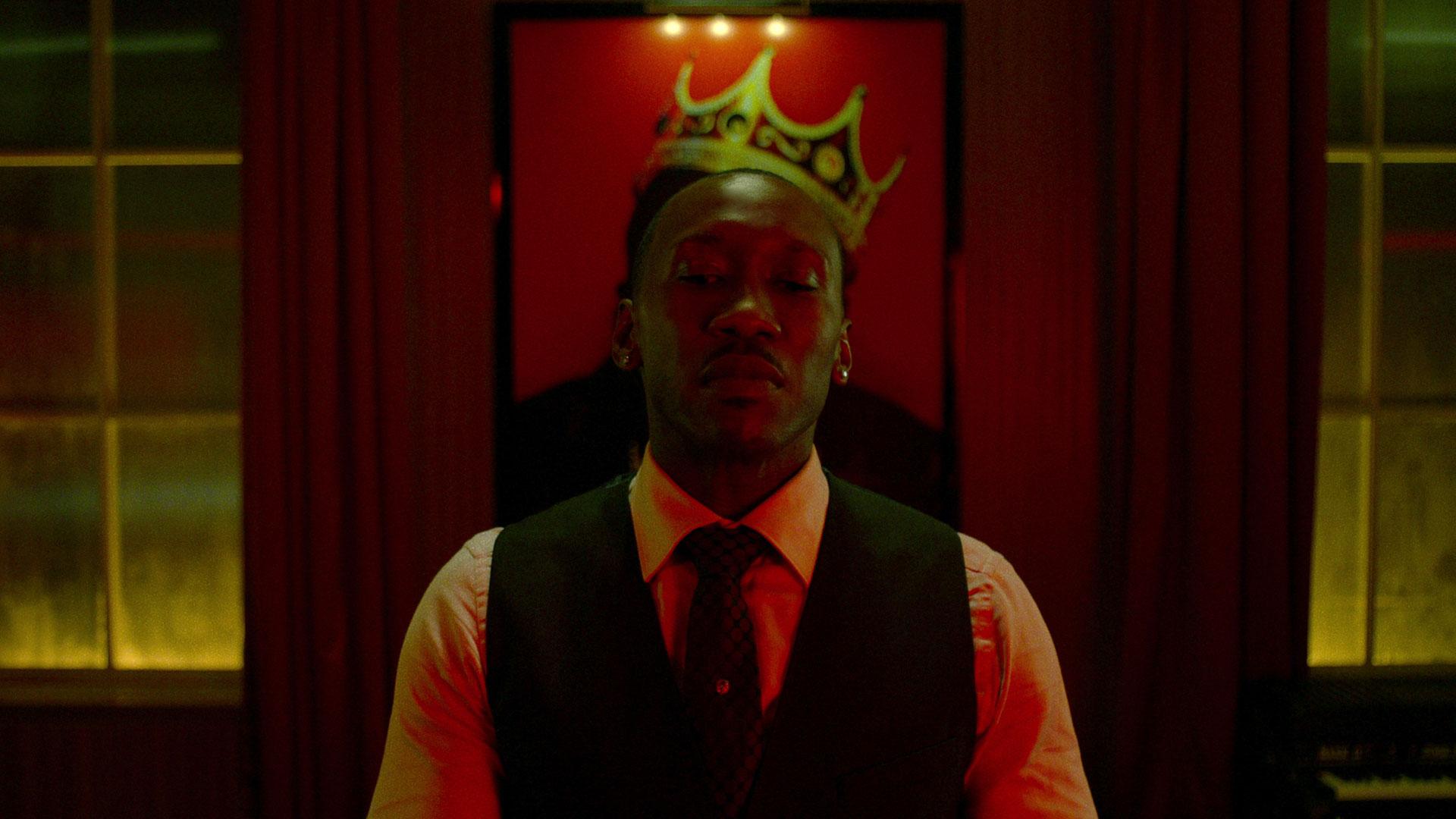 Mahershala Ali spiller nattklubbeieren  Cornell Cottonmouth Stokes. (Foto: Netflix).