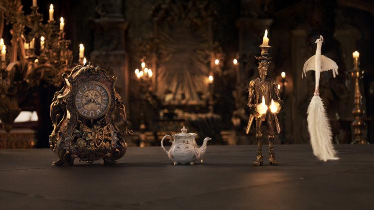 """Klokksworth, Mrs. Potts, Lumiére og Plumette er noen av den forheksede staben i """"Skjønnheten og Udyret"""" (Foto: 2016 Disney Enterprises, Inc. All Rights Reserved)"""