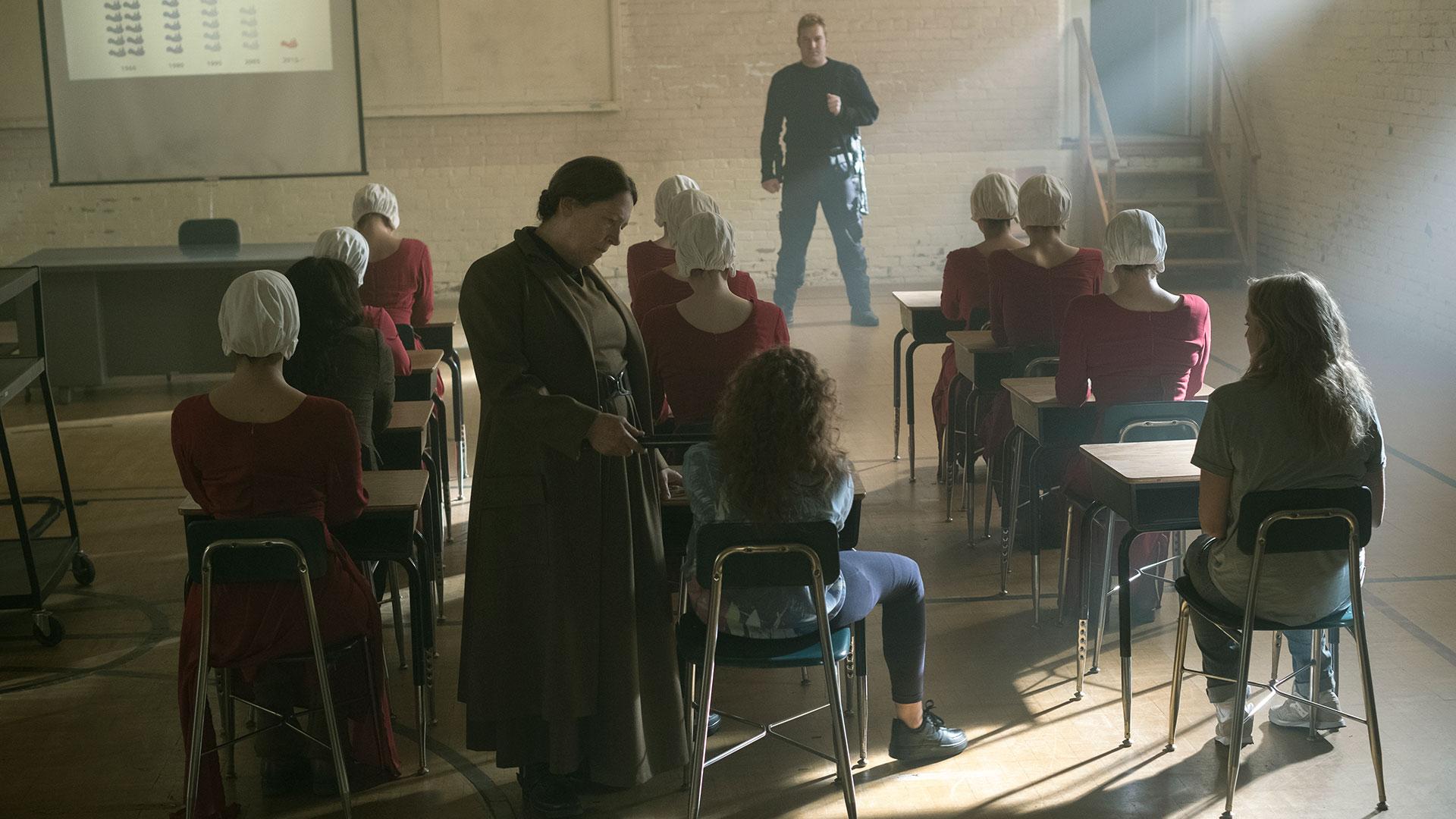Ann Dowd stjeler showet når hun er på skjermen. (Foto: Take Five/Hulu)