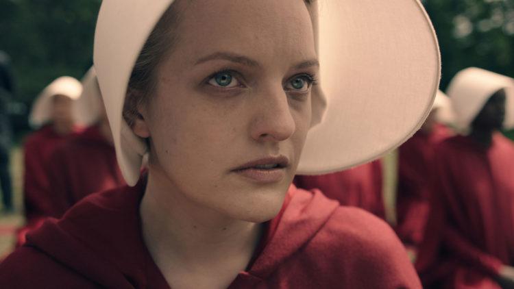 Elisabeth Moss briljerer i rollen som Offred. (Foto: Take Five/Hulu)