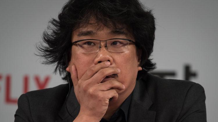 Den sør-koreanske regissøren Bong Joon-Ho på en pressekonferanse i Seoul 16. mai 2017. (Foto: AFP PHOTO / ED JONES)