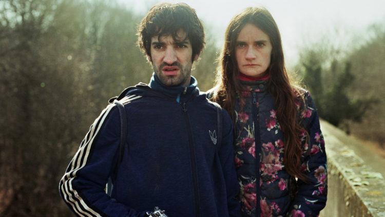 """Kjæresteparet Willy (David Murgia) og Esther (Aurore Broutin) blir forfulgt i """"De første skal bli de siste"""". (Foto: Storytelling Media)"""