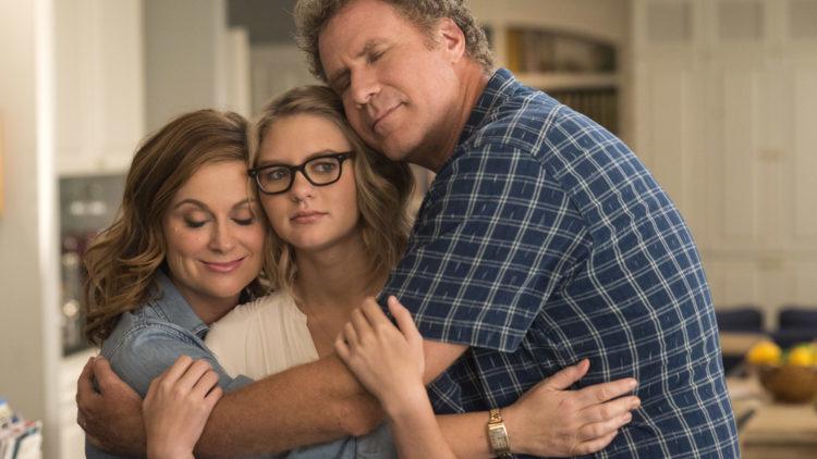 """Kate (Amy Poehler) og Scott (Will Ferrell) forsøker å finansiere college for datteren Alex (Ryan Simpkins) i """"The House"""". (Foto: SF Studios)"""