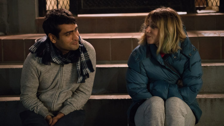 "Kumail Nanjiani som Kumail og Zoe Kazan som Emily i ""The Big Sick"". (Foto: Norsk Filmdistribusjon)"