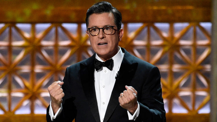 Stephen Colbert lot Trumps manglende Emmy-pris bli et tema for kvelden. (Foto: NTBScanpix, Chris Pizzello/Invision/AP)