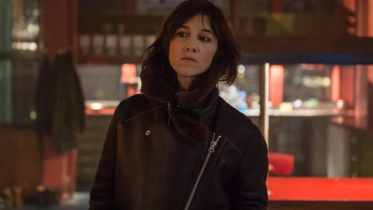 Charlotte Gainsbourg sin rollefigur Rakel er bare et plottvirkemiddel i Snømannen. (Foto: United International Pictures)