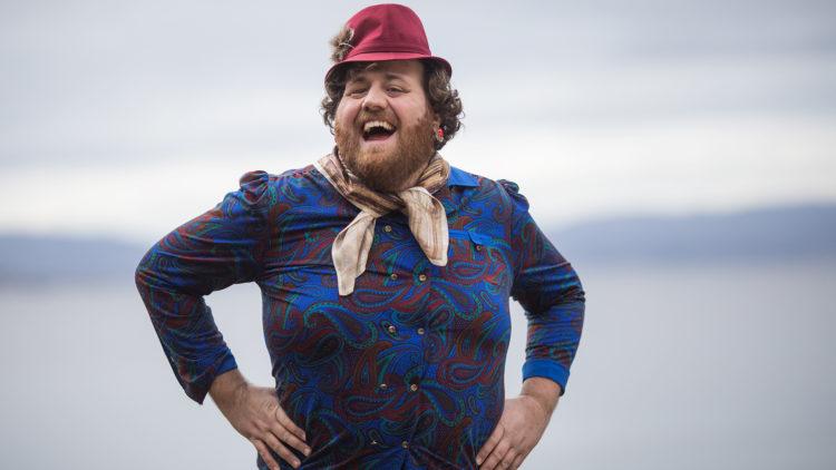 Ronny i rollen som Tante Gerd. Foto: Kim Erlandsen, NRK P3.